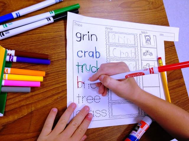 https://www.teacherspayteachers.com/Product/R-Blends-5-Interactive-Activities-958939
